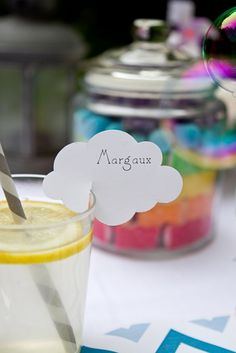 great idea - name tags for drinks. would like something cheaper/simpler but something that still allows all guests to know that this is their drink! Colorful Birthday Party, Diy Birthday, Marque Place Communion, Vintage Airplane Party, Drink Labels, Troll Party, Happy Party, Get The Party Started, Party Entertainment