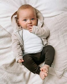 Cute Baby Boy Outfits, Baby Outfits Newborn, Little Boy Outfits, Baby Boy Newborn, Baby Baby Baby Oh, Baby Boys, Baby Girl Fashion, Kids Fashion, Cute Baby Pictures