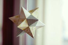Stern aus Papier gefaltet