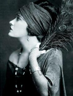 Gloria Swanson, 1922 by janie