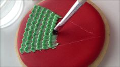 This tutorial will teach you how to use the brush embroidery technique to create a Christmas tree in royal icing. Description from sweetambs.com. I searched for this on bing.com/images