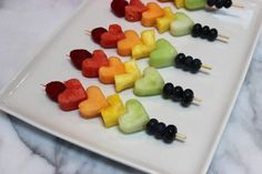 New snacks for party finger food kid fruit kabobs 27 ideas Fruit Kebabs, Fruit Snacks, Party Snacks, Rainbow Fruit Skewers, Fruits For Kids, Party Finger Foods, Valentines Day Treats, Holiday Treats, Gourmet Recipes