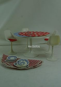Daisy-Mary-Quant-table-and-chairs-furniture-Flair-Toys-Ltd-clone-barbie-doll