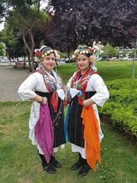 folk costumes with handkerchiefs images - Căutare Google Folk Costume, Costumes, Handkerchiefs, Google, Style, Fashion, Swag, Moda, Dress Up Clothes