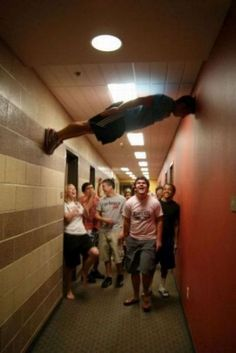 Funny pictures about Planking like a boss. Oh, and cool pics about Planking like a boss. Also, Planking like a boss photos. Diana, College Humor, College Life, Dorm Life, Smosh, I Love To Laugh, Like A Boss, Decir No, I Laughed