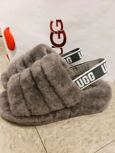 fd3bf57d03fe UGG Fluff Yeah Slide Charcoal Grey Size 7 VERY RARE FIND FREE RUSH SHIPPING