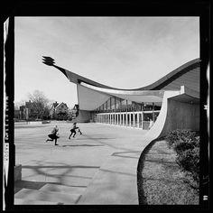 Eero Saarinen • Yale University, David S. Ingalls Hockey Rink, 1959