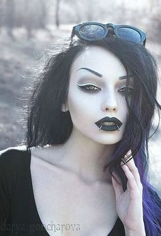 Angel After Dark. Gothic Fashion And You - Learn What It Takes. Many people believe that you have to spend a ton of money if you want to look fashionable. Goth Beauty, Dark Beauty, Gothic Girls, Gothic Images, Victorian Gothic, Gothic Lolita, Dark Fashion, Gothic Fashion, Steampunk Fashion