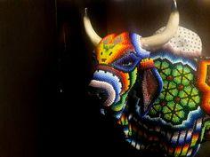 Mexican art Huichol art bull figure por HamatianaIyari en Etsy