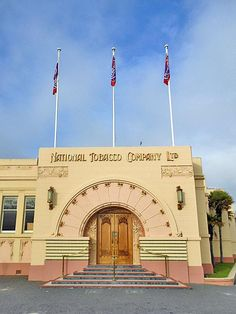 New Zealand Travel Inspiration - Art Deco destinations fit for the Great Gatsby: Napier, New Zealand Art Deco Bar, Art Deco Home, Art Deco Design, Napier New Zealand, Art Deco Buildings, Art Deco Furniture, The Great Gatsby, New Zealand Travel, Cheap Flights