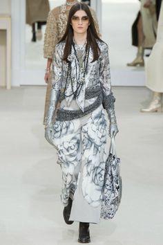 Неделя Моды в Париже: Chanel Осень-Зима 2016-2017. Обсуждение на LiveInternet - Российский Сервис Онлайн-Дневников