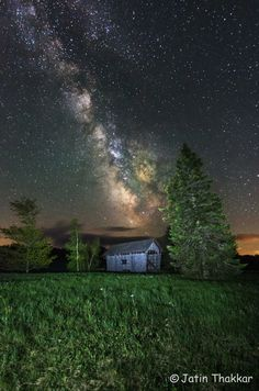 The Milky Way glows over a covered bridge in this amazing photo by a veteran astrophotographer in Vermont.