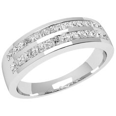 A glamorous Princess Cut dress diamond ring in 18 ct. white gold