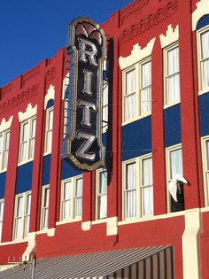 The Historic Ritz Theatre in downtown Brunswick, GA Retro Signage, City By The Sea, Church Ideas, Vintage Movies, Home And Away, Palaces, Victorian Era, Day Trip, Vintage Signs