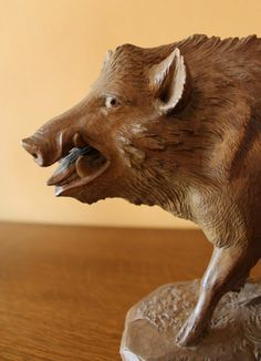 OUTSTANDING BLACK FOREST WOODEN CARVED 1900 WILD BOAR SIGNED HUNTING