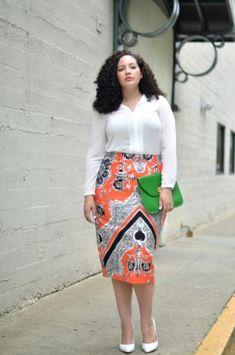 Блог Girl with curves (Девушка с формами) – это ведущий ресурс, вдохновляющий пышных дам по всему миру. В 2011 году в мире моды, где все лавры достаются худышкам, а девушкам размера плюс остаются бесформенные балахоны, Танеша Авашти нашла в себе смелость заявить об иной позиции.