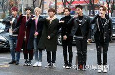 MONSTA X、「Music Bank」出勤ファッション
