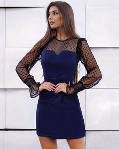 @mariellasarto arrasa no look, sempre antenada nas tendências de inverno, escolhe o vestido mais perfeito 💙💙💙💙 haaaa o azul claro que ele não pode faltar nesta estação né chocolovers#chocoleite#tendencias2017#beautiful#fashionista