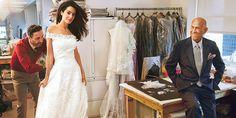 Una de las fotos más recientes del diseñador dominicano es esta, tomada por la legendaria Annie Leibovitz durante la prueba del vestido de novia de Amal Alamuddin, la esposa del actor George Clooney.