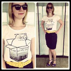 Look do dia! Camiseta Gato Melancia Quadrada + saia A Mulher do Padre + melissa + óculos bleudame hihi #melanciaquadrada #gato #cat #camiseta #tshirt #melissa #bleudame