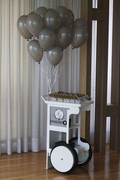 Carrinho de Colher de Brigadeiro para Casamento http://www.gordeliciasalugueis.com.br/#!carrinho-de-brigadeiro/ckm2