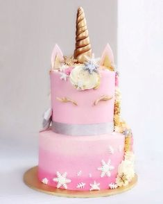 Winter Unicorn in pink! ❄️ #enjoueunicorncollection #unicorncake #winterunicorn #euphoriquesg
