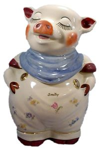 Smiley Pig Shawnee Cookie Jar - Located in Zanesville, Ohio the Shawnee Pottery Company began operation in taking its name in part from a nearby village of Native Americans and the distinctive red clay from which they made pottery. Pig Cookies, Disney Cookies, Biscuit Cookies, Cute Cookies, Antique Cookie Jars, Antique Glass, Shawnee Pottery, Kinds Of Cookies, Cookie Time