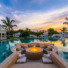 Fascinating Outdoor Fire Pit Designs By The Pool Fire Pit Designs, Pool Designs, Outdoor Fire, Outdoor Living, Cinder Block Fire Pit, Home Luxury, Luxury Homes, Patio Heater, Dream Pools