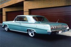 1962 CHEVROLET IMPALA CUSTOM 2 DOOR HARDTOP - Rear 3/4 - 96474