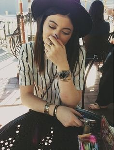 Kylie Jenner Style ... Rolex Explorer, CASE Oyster, 39 mm, steel, MOVEMENT Mechanical, self-winding, DIAL Black, BRACELET Oyster = beauty.