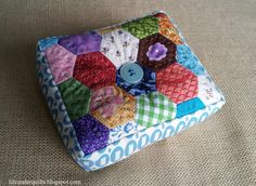 Life Under Quilts: pincushions