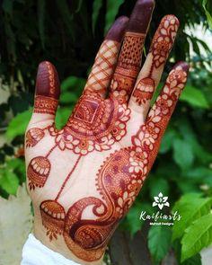 Unique Palm Mehndi Designs For Navratri - Garba Special Mehndi Henna Hand Designs, Latest Simple Mehndi Designs, Mehndi Designs Finger, Palm Mehndi Design, Mehndi Designs For Kids, Rose Mehndi Designs, Latest Bridal Mehndi Designs, Mehndi Designs For Beginners, Modern Mehndi Designs