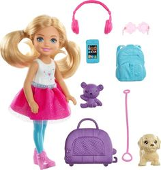Explore the world with Barbie Chelsea Travel Doll featuring five travel-themed accessories. Explore all barbie dolls and playsets at our Barbie shop today! Mattel Barbie, Barbie Doll Set, Barbie Shop, Barbie Doll House, Barbie Dream House, Dreamhouse Barbie, Barbie Chelsea Doll, Accessoires Barbie, Barbie Doll Accessories