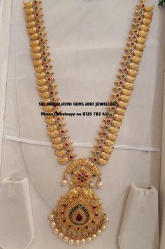 Stunning Gold Long Haaram With Jewelry Design Earrings, Gold Earrings Designs, Gold Haram Designs, Necklace Designs, Jewelry Sets, Women's Jewelry, Antique Jewelry, Gold Bangles Design, Gold Jewellery Design