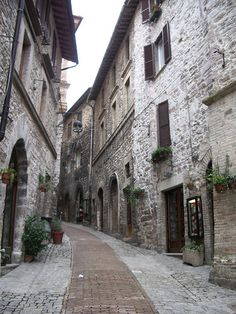 If I could live anywhere....I would live here! Very beautiful! Assisi Italy