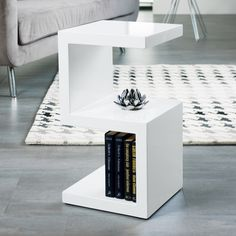 S side table white My Living Room, Living Room Furniture, Home Furniture, Furniture Design, Side Table Decor, Side Table With Storage, Table Storage, Black Side Table, White Side Tables