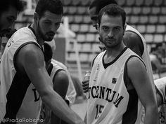 """#DanielAdriasola ha sido baja de última hora. Según el fisio del #CBLucentum Javi Furio, """"Adriasola se ha roto probablemente los ligamentos colaterales de un dedo, pero si no hay más que eso el próximo jueves volverá a la dinámica del grupo"""". Adriasola tuvo una lesión similar que le obligó a pasar por quirófano por un mal diagnóstico. El jugador será sometido a pruebas que definirán el alcance de su lesión. 28 de septiembre de 2014. #Baloncesto #Basket #Alicante #AdeccoPlata #AmicsCastello Alicante, Sports, Basketball, Thursday, September, Group, Pictures, Hs Sports, Sport"""