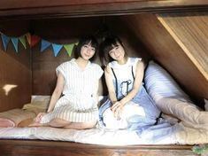 NHK連続テレビ小説「あさが来た」で丸メガネの女学生役を好演し、人気上昇中の女優、吉岡里帆(23)が歌手、吉澤嘉代子(26)の新曲のミュージックビデオ(MV)でセーラー服姿を初披露していることが24日、分かった。