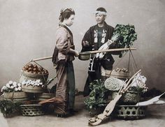 Selling vegetables. Hand-coloured photo. About 1880-1900 Japan. SmithsonianInstitution, Freer Gallery of Art and Arthur M. Sackler Gallery Archives The Kimono Gallery