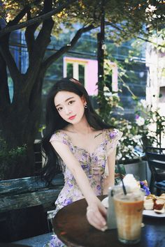 milkcocoa Korean Short Hair, Beautiful Asian Girls, Dream Dress, Asian Beauty, Cute Girls, Short Hair Styles, Womens Fashion, Backdrop Ideas, Floral
