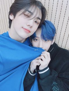 with maknae 😍 K Pop, Seo Woo, Closer, Going Blind, Twitter Video, Look At The Stars, Golden Child, Starship Entertainment, Seong