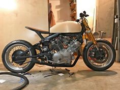 beautiful 1981 Yamaha virago cafe racer. stalled project sitting in my garage. needs wiring and seat upholstered. this is a very high end build. with a little work you could be riding this bike
