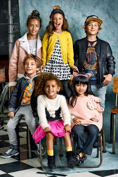 From dresses for girls to cool jackets for boys, start the school year in style with H&M's back to school kids clothes.