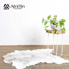 Accesorios y elementos decorativos para el hogar. Una piel de becerro es un perfecto elemento para el diseño de interiores.  Producto African-Leather
