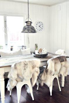 ¡Tolix más cálidas! Descúbrelas en la SHOP a un precio vibrante #deco #silla #otoño #home