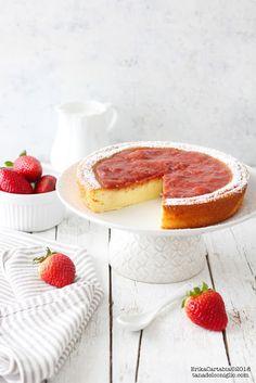 Creamy yogurt and jam cake - The rabbit hole Real Food Recipes, Dessert Recipes, Yummy Food, Yogurt Cake, Culinary Arts, Sweet Desserts, Cream Cake, Cooking Time, Food Inspiration