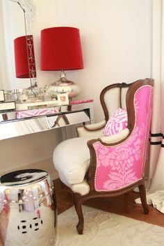 I want this chair. Pink Bedroom Design, Pink Bedroom For Girls, Pink Bedrooms, Gold Bedroom, Dream Bedroom, Romantic Bedrooms, Home Comforts, Designers Guild, Christian Lacroix