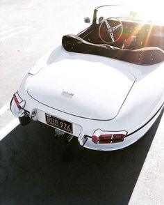 Mercedes Auto, Coventry, Retro Cars, Vintage Cars, Automobile, Mercedez Benz, Piaggio Vespa, Bmw Classic Cars, Jaguar E Type