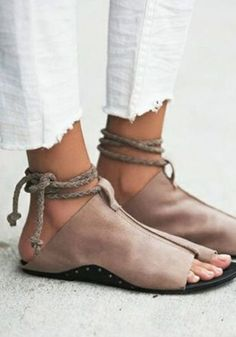 2703e12b1979 Coffee Round Toe Cut Out Cross Strap Casual Sandals Fashion Flats