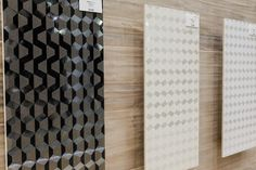 A coleção Origami da Villagres (www.villagres.com.br) proporciona sutil brilho para o revestimento de paredes. O novo produto foi apresentado na feira Expo Revestir 2013, em São Paulo